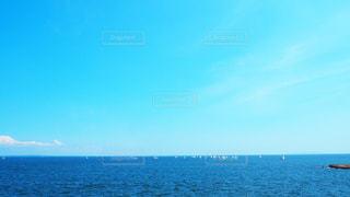 七里ヶ浜の海の写真・画像素材[3535506]