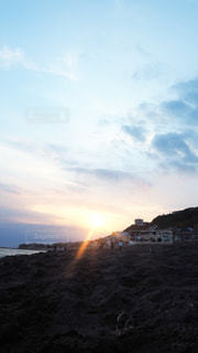 水の夕日の写真・画像素材[3551688]