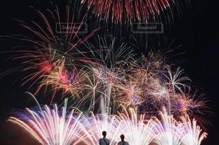 また一緒に見ようね、花火の写真・画像素材[3609659]