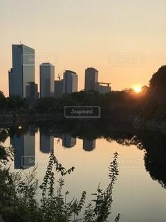 朝日の当たるOBPの写真・画像素材[3605233]