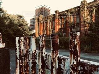 赤煉瓦の廃墟の写真・画像素材[3618955]