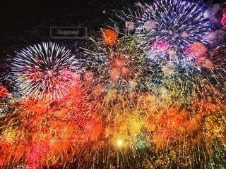 空の花火の写真・画像素材[3622251]