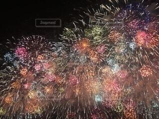 空の花火の群の写真・画像素材[3622252]
