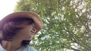 帽子をかぶった人の写真・画像素材[3591778]
