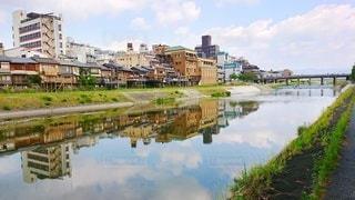 鴨川リフレクションの写真・画像素材[3642494]