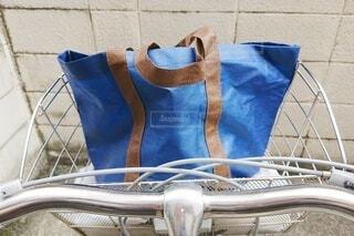 自転車にエコバッグの写真・画像素材[3694958]