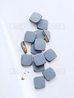 幸せの青いチョコレートの写真・画像素材[4154336]