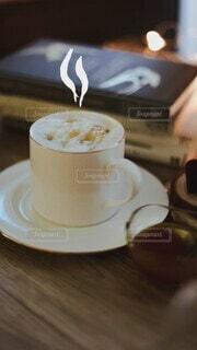 スイーツ,カフェ,秋,冬,茶碗,マグカップ,カプチーノ,カフェオレ,おうちカフェ,キャラメル,飲料,カフェタイム,モカ,キャラメルマキアート,インスタントコーヒー,マキアート,癒しの時間,リラックスタイム,コーヒー飲料