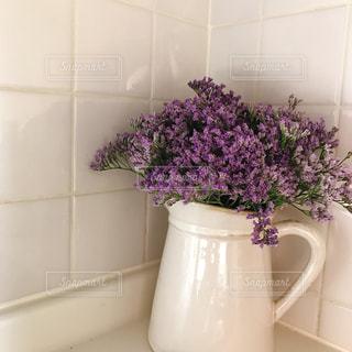 インテリア,花,キッチン,白,フラワー,紫,フラワーアレンジ