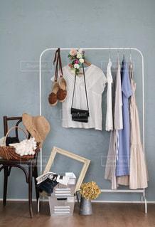 ファッション,夏,日常,椅子,洋服,生活,ライフスタイル,収納,ガーリー,夏服,衣替え,整理整頓,衣更