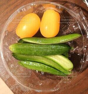 食べ物,緑,黄色,トマト,野菜,顔,食品,キュウリ,食材,おもしろい,フレッシュ,ベジタブル