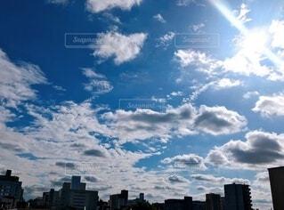 雲が広がる素敵な青空の写真・画像素材[3786467]