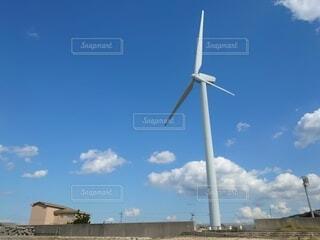 青空と風車の写真・画像素材[3812061]