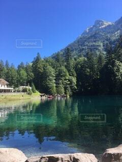スイス 青い湖の写真・画像素材[3629187]
