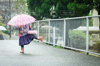 雨降りの写真・画像素材[3671320]
