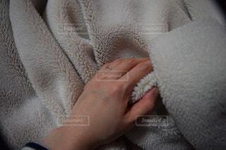 手,指輪,手持ち,人物,人,毛布,ポートレート,ライフスタイル,手元,新婚