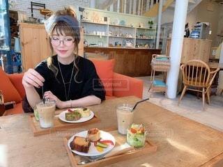 穏やかな朝食の写真・画像素材[3643618]