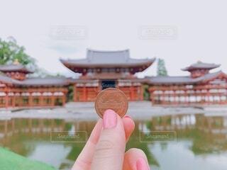 京都,手持ち,人物,平等院,ポートレート,女子旅,平等院鳳凰堂,ライフスタイル,手元,10円,旅行女子