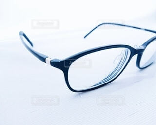 眼鏡のクローズアップの写真・画像素材[3726156]