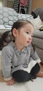 ちょこんと赤ちゃんの写真・画像素材[4376779]