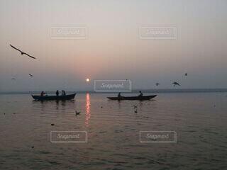 朝日,正月,お正月,日の出,インド,新年,初日の出,バラナシ,ガンジス