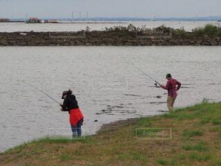 公園の海辺で釣りの写真・画像素材[3794102]