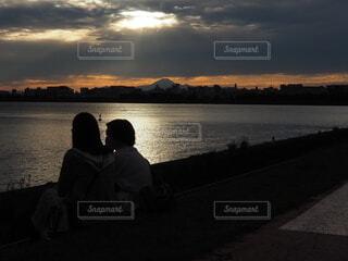 夕暮れに映える富士山の写真・画像素材[3797678]