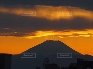 夕暮れの富士山の写真・画像素材[3820267]