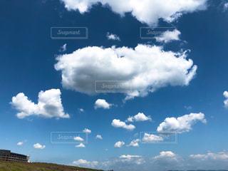 青空の雲の写真・画像素材[2290541]