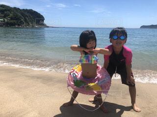 海水浴場で遊ぶ子供の写真・画像素材[4672901]