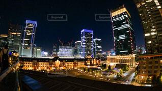 新丸ビルから見る東京駅の写真・画像素材[3711792]