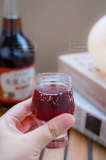 お酒,赤,人,カップ