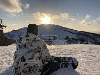 冬,夕日,雪,後ろ姿,山,スキー,運動,スノーボード,ウィンタースポーツ