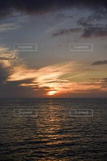沈む夕日の写真・画像素材[3658784]