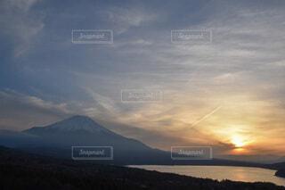 富士山と夕日の写真・画像素材[3671025]