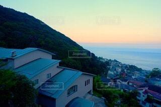 山と海と夕焼けの写真・画像素材[3653087]
