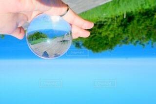 自然,海,空,屋外,緑,青,手,ボール,人,旅行,リング,ライフスタイル,手元,球