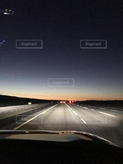 空,屋外,朝日,車,山,夜明け,朝焼け,正月,お正月,日の出,ドライブ,運転,新年,初日の出