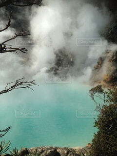 池のようだけど温泉の写真・画像素材[3705262]