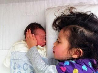 子ども,手持ち,人物,赤ちゃん,ポートレート,新生児,兄弟,ライフスタイル,手元