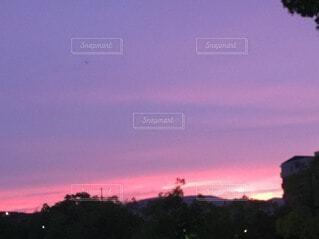 自然,空,屋外,太陽,朝日,赤,雲,夕暮れ,紫,夜明け,美しい,正月,お正月,日の出,新年,初日の出,決定的瞬間,インスタ映え