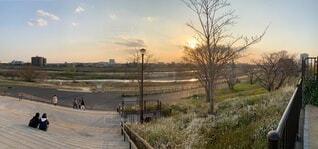 川と夕日の写真・画像素材[3670694]