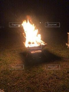焚き火の写真・画像素材[3679968]