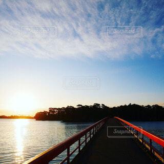 空,朝日,青空,朝焼け,正月,お正月,日の出,新年,初日の出,赤い橋