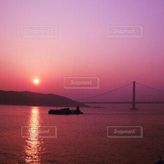 フェリー旅でみた美しい夕焼けの写真・画像素材[4819456]