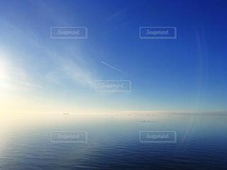真っ青な美しい海の写真・画像素材[3751449]