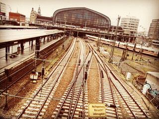 駅と線路の写真・画像素材[3755448]