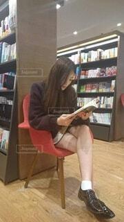 読書の秋の写真・画像素材[3690362]