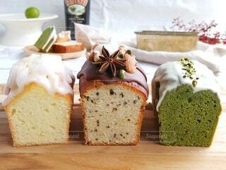 真ん中はベイリーズのパウンドケーキの写真・画像素材[4030250]