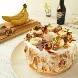 食べ物,ケーキ,デザート,テーブル,皿,ボトル,食品,おいしい,ドリンク,菓子